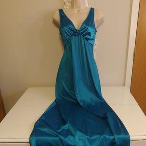 Vintage Vassarette teal negligee nightgown